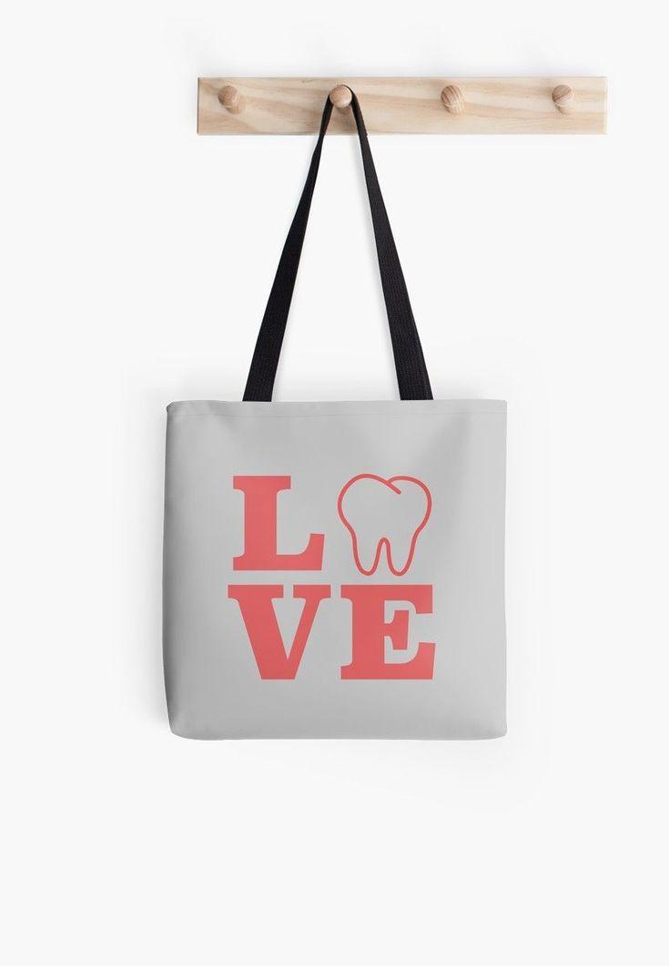 Deserted dental hygienist crafts dentistselfie