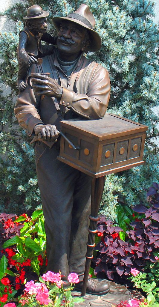 find this pin and more on house garden sculptures esculturas para el jardn by sandrasoler