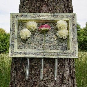 """Rahmen """"Floral schwarz/vanille"""" mit Blumenvasen"""