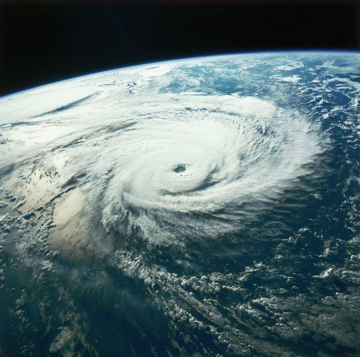 cyclone-ouragan-photo-espace-03