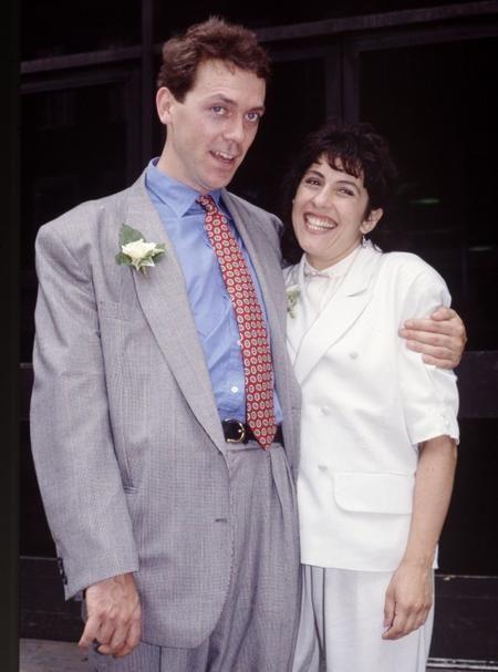 Неформатные жены самых красивых и богатых звезд-мужчин [21 Фото] — XOXO — мы продлеваем жизнь ).  Хью  Лори  с  женой.