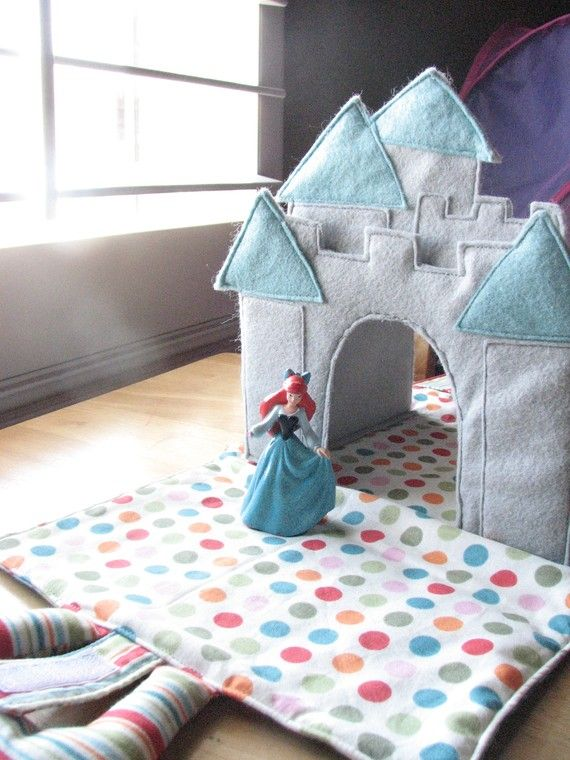 Castle Caddy: PDF Download Instructions and Pattern available on etsy.  (folds flat and has pockets for doll/action figures. Nx