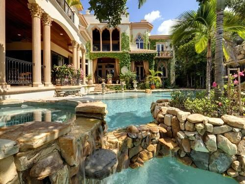 Mediterranean mansion with moorish flair in Sarasota, Florida, USA (by Sifter).