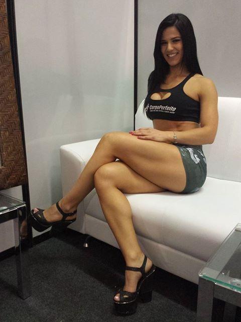 Eva Andressa Vieira Sexy Piernas Mujeres