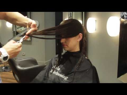 ▶ Victoria Secret Haircut - shaping around the face - Model Alice Anderson - YouTube