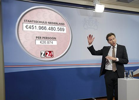 282 euro per seconde: zo snel stijgt onze staatsschuld. http://www.z24.nl/economie/282-euro-per-seconde-zo-snel-stijgt-de-staatsschuld-447906