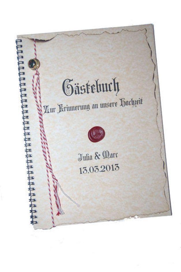 Gästebuch zur Hochzeit  Mittelalter  Für eine bleibende Erinnerung an den tollen Tag und Ihre Gäste.  Passend zu den Einladungsrollen Mittelalter.  Standard:  -25 Blankoblätter Strukturpapier a 200...