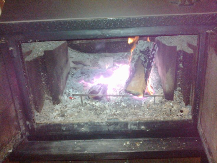 """Eija H. """"Hiilloksen lämpöä (saa viedä tuhkatkin pesästä!)"""""""