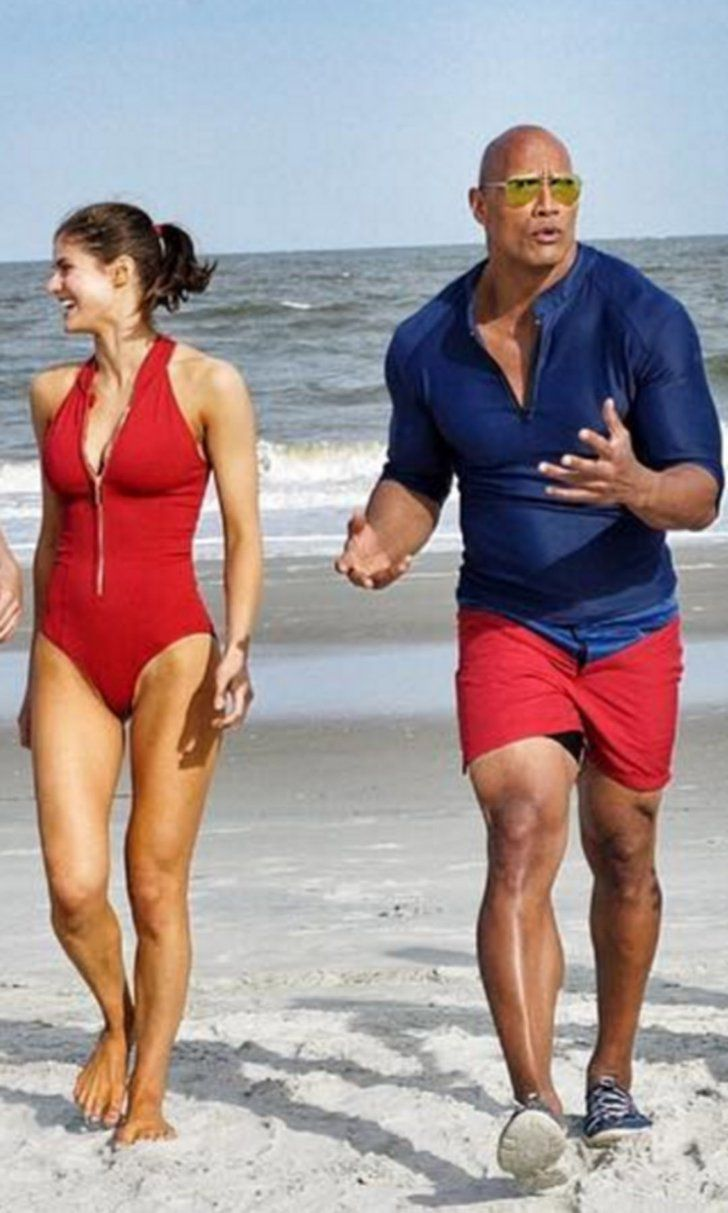 Baywatch: The Insanely Sexy Cast Hits the Beach in the Movie's First Official Picture