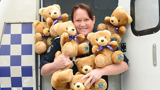 Moooroolbark Lions Club delivers 'comfort bears' to police
