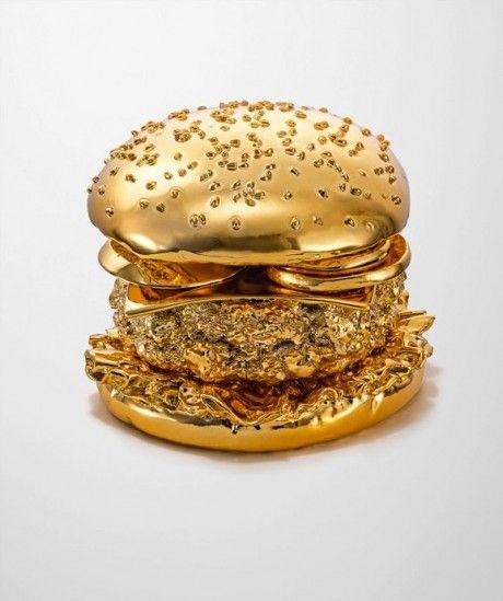 Golden Hamburger | BRANSCH artist Thomas Hannich photographed a golden hamburger created by model-maker Arndt von Hoff especially for this photo shoot.