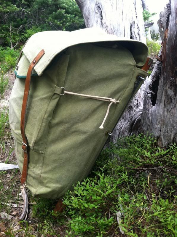 my interest in starting a company manufacturing hiking backpacks Below he shares his diy approach to giving backpacks solar charging capabilities so backpack mods part 1 :: vinjabond carryology – exploring better ways to.