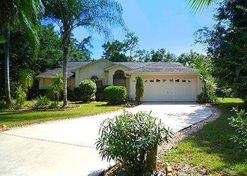 No 1509 Kissimmee Doral Woods Totally Secluded 4 Bed 3.5 Bath Villa with Private Heated Pool, Jacuzzi & Games Room - 4 Bed Vacation Rental Villa with Pool Florida Villas Holiday Homes No 1509