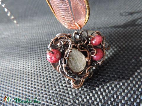 Meska - Aranyrutil és rubin gyöngyökkel készült nyaklánc 16018 Yuleviekszerek kézművestől