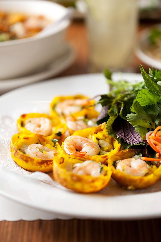 Bánh khọt (coconut pancake cups with shrimp and mung bean) Vietnamese food