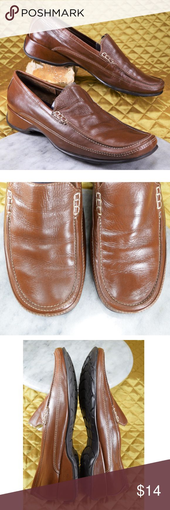 "Crazy Horse Liz Claiborne Size 9.5M Brown Loafers Women's beautiful brown leather loafers by Liz Claiborne's ""Crazy Horse"" They are in excellent, CLEAN pre-owned condition!  **If you appreciate old school quality - you're in the right place. We don't just sell products, we put time & work into them. PLUS. we ship FAST! Usually within 1 business day! Thank you for poshing in my closet!! 😘🤟🌹 Liz Claiborne Shoes Flats & Loafers"
