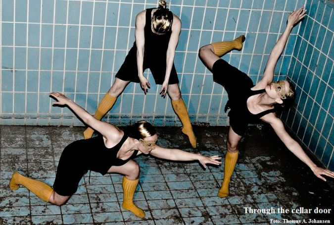 Through the cellar door (2010) - Koreografi Julia Planterhaug - Dansere Kristine Mari Hansen, Marte Amundsen & Julia Planterhaug - Foto Thomas Johansen