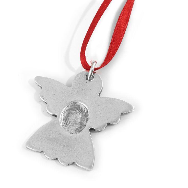 Kerst sieraden van Smallprint een hanger in een form van een engeltje met een vingerafdruk