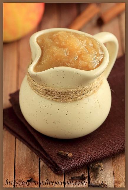 Традиционный американский яблочный соус.