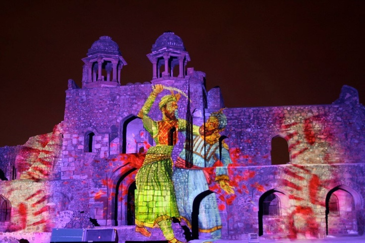 This pic brings to you a scene from the state-of-the-art sound and light show at Purana Qila (Old Fort) Delhi. Called 'Ishq-e-Dilli' (Romancing Delhi), it shows the history of Delhi through its 10 cities, starting from the 11th century reign of Prithvi Raj Chauhan to the present day. It also traces Delhi's connection with the mythology of Mahabharata and Indraprastha.