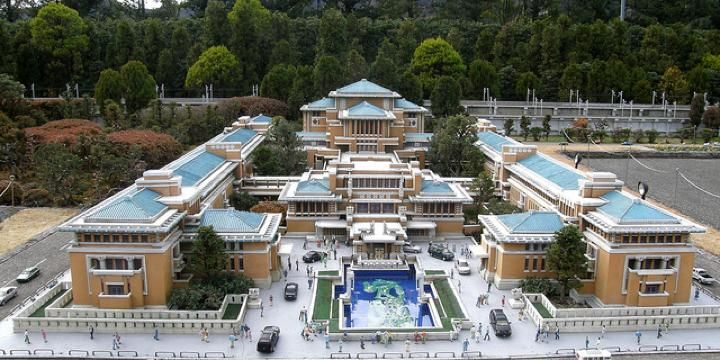Click on the image to discover the Frank Lloyd Wright Imperial Hotel he built in Tokyo.