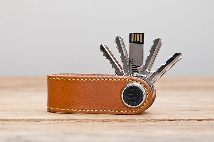 Modèle Classic cuir marron - skeyshop.com, SKey, s-Key, www.skeyshop.com, porte-clés, keychains, cadeau, design, objet design, Made in france, MIF, 100% MIF, 100% fabriqué en France - 2