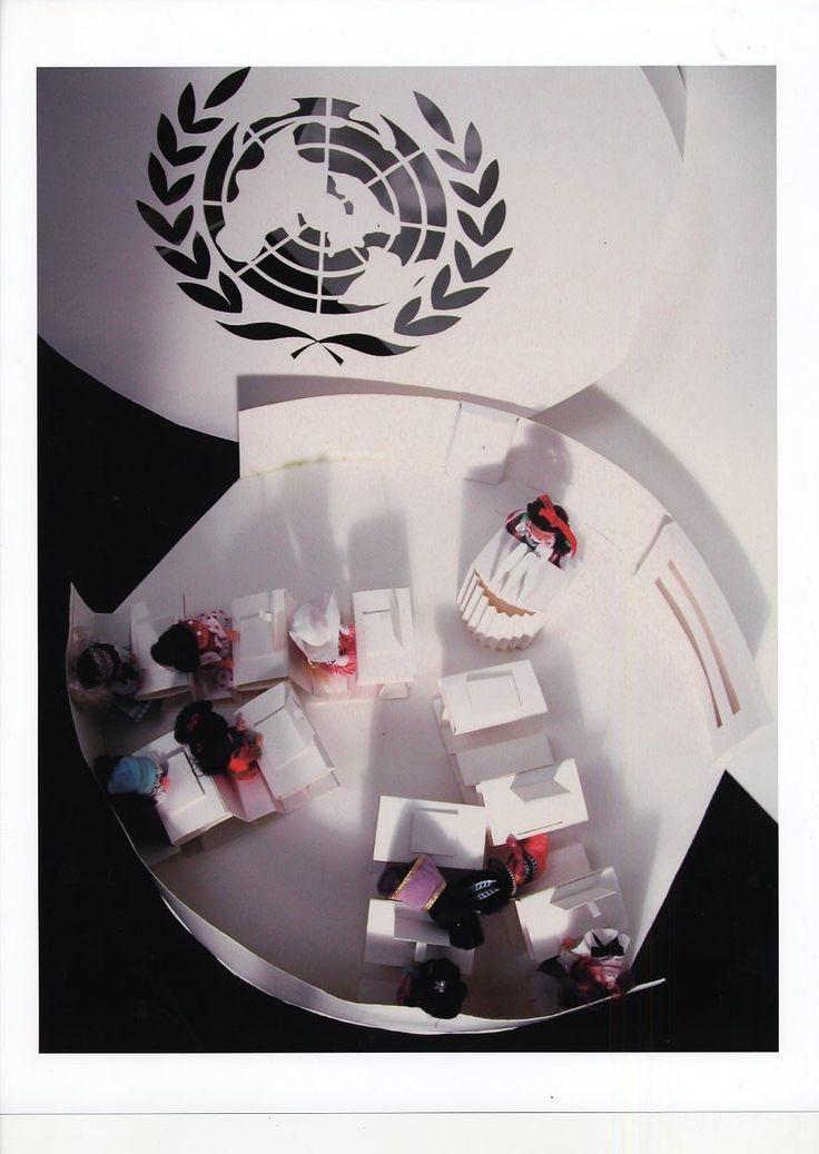United Nation Girls doll set packaging