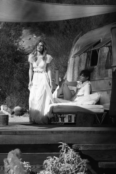 """LEILA HAFZI in ELLE Spose    Abiti da sposa: i vestiti da matrimonio di Elle Spose rifotografati nel dettaglio.  Nomadismo d'autore. Idillio bucolico di chiome al vento e camperos da cerimonia. Tra cascate di pizzi folk, abiti gipsy e praterie di fiori country che sbocciano su longdress leggeri come piume. Per vere """"love trotter""""    leilahafzi.com"""