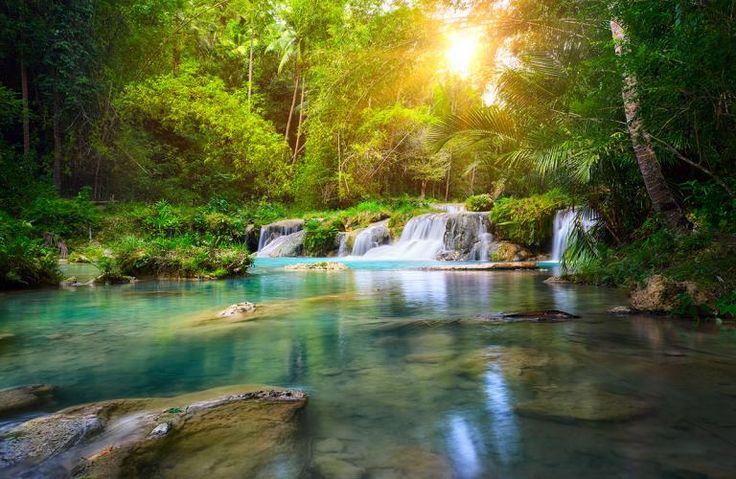 Siquijor er en af de mange dejlige, bjergrige øer i Filippinerne. Her er smuk natur og fortryllende vandfald i en helt turkisblå farv - bl.a. Cambugahay vandfaldet.