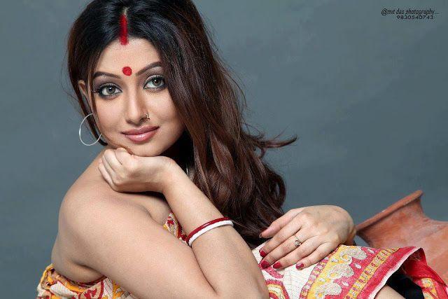 Hot Latest Tamil saree actress pictures   Indian Aunties Blog