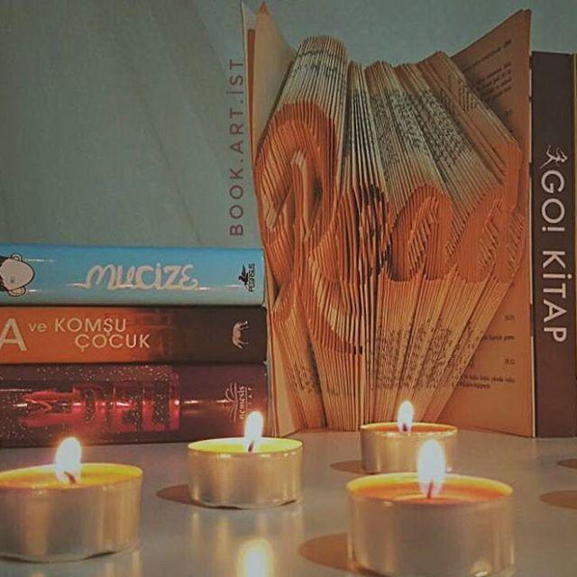 📔📔 ✔Kişiye özel tasarımımız vardır. ✔Bilgi ve sipariş için Dm veya e-Mail atabilirsiniz. . . . #read#book#bloger#bookstagram#oku#okumak#okumakgüzeldir#kişiyeözel#hediye#gift#armağan#roman#kitapkatlama#sanat#görsel#görselsanatlar#foldingpaper#kitapkokusu#books