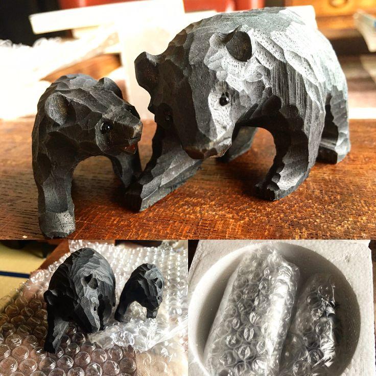 親子の木彫り熊です