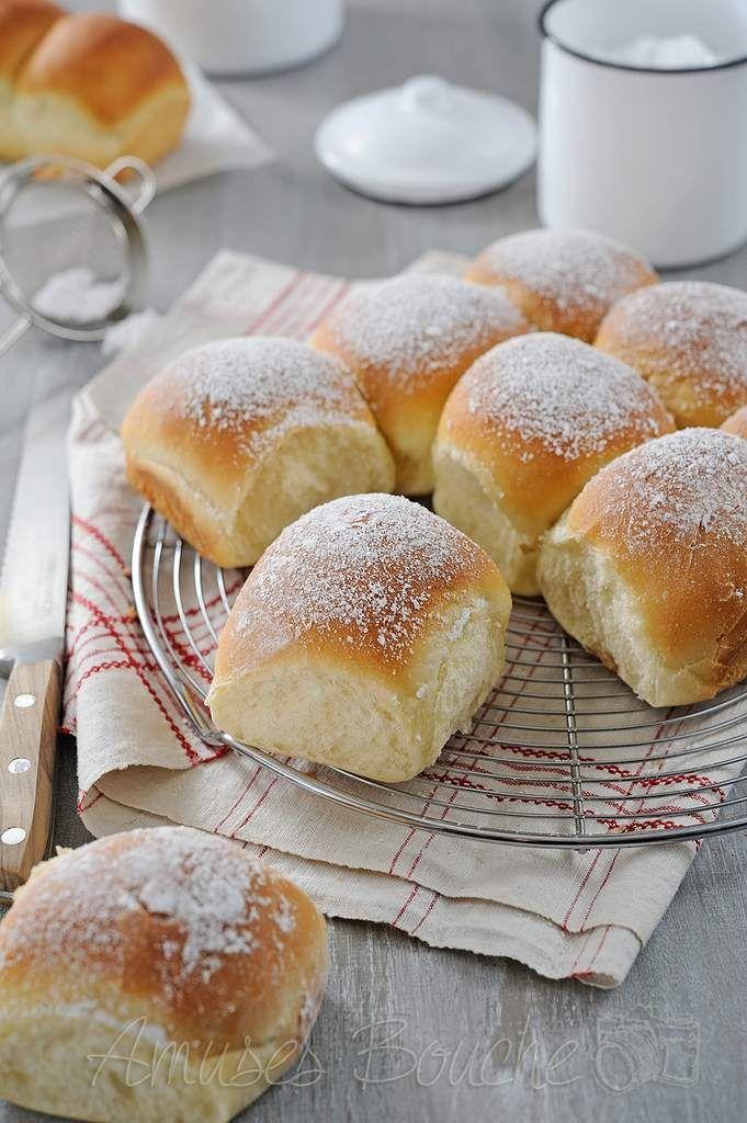 Aujourd'hui, mercredi, c'est une recette idéale pour le goûter des petits comme des grands. La brioche Buchty, a eu son heure de gloire sur les blogs il y a quelque temps, la recette a pas mal tourné. Je l'ai réalisé plus d'une fois mais jamais mise en...