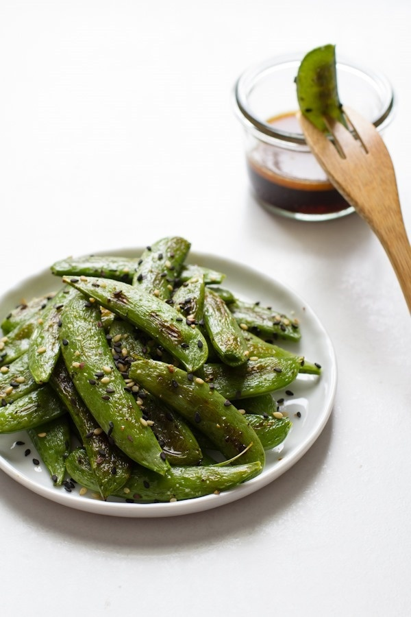 Roasted Sugar Snap Peas with Sesame Dipping Sauce! Perfect light snack! | edible perspective