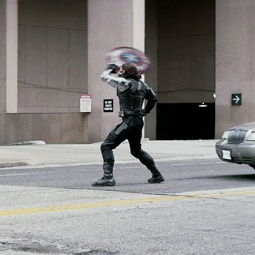 Rahhhhh catch your frisbee random dude that keeps calling me Bucky!!<<<<< repost for this comment!