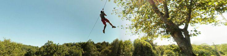 Espace Hermeline à Bussière-Galant, parc acrobatique. L'Espace Hermeline vous propose de nombreuses activités familiales réparties sur un ensemble de loisirs qui s'étend sur 20 hectares : vélo-rail (petits engins légers sur rail), parcours aventure dans les arbres, méga tyrolienne (400 m de glissade à 23 m de haut au dessus du plan d'eau), minigolf, tennis, petit chemin de fer, piste de BMX, paintball, plage surveillée en saison. En savoir plus sur http://www.tourisme-hautevienne.com