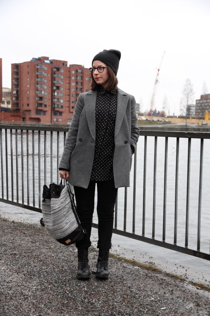 Trelooks - Street style from Tampere, Finland  www.trelooks.blogspot.com  // Keywords: women, ootd, spring style, winter style, autumn style, recycling, 2nd hand, second hand, vintage, bag, accessories, classic style
