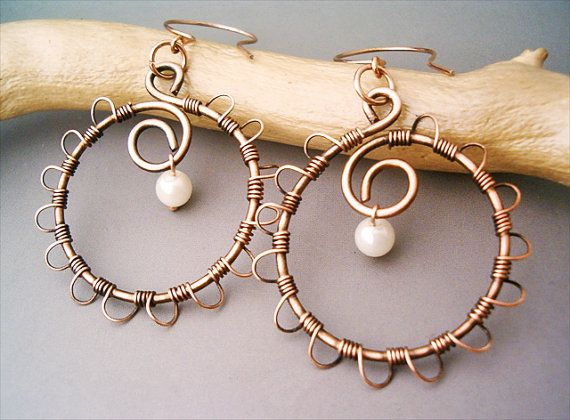 Wire Wrapped Earrings Old-Looking Copper  Total Lenght: 2.75 Inch - 7 cm  Diameter: 1.6 Inch - 4 cm      Every jewel are handmade and unique,  all