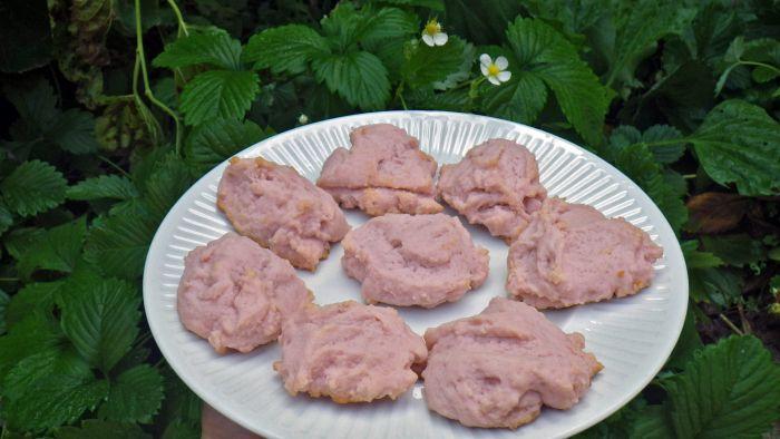 Tickled Pink Lemonade Cookies .  Red Velvet Cupcake Murder