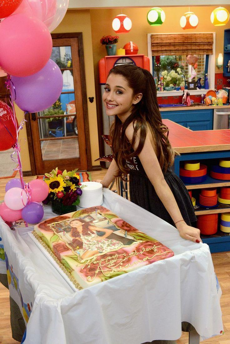Ariana Grande - Sam & Cat Birthday Party