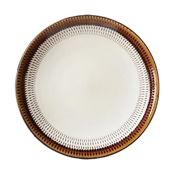 少し深みのある大皿は、メインのおかずのほか、サラダやパスタなどの盛り皿として幅広く活躍してくれます。  【商品の特性とお取扱いについて】 ・陶器製 ・飛鉋(とびかんな)の紋様は、白化粧した器をロクロで回転させながら紋様を彫り込んでいきます。その飛鉋の上に透明感のある飴釉と織部釉を掛けた表情豊かなシリーズです。 ・釉掛けはひとつひとつ手作業のため、釉の垂れ具合には個体差があります。 ・また、貫入がみられる場合がありますが、風合いとして、お楽しみください。
