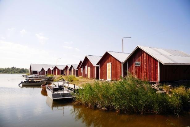 Pohjanlahden vesillä. Merenkurkun saaristo on Unescon maailmanperintökohde, jossa riittää löydettävää suomalaisellekin. Tervetuloa saaristoretkelle! Mondo.fi