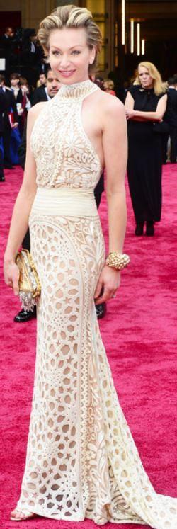 Portia de Rossi: Dress – Naeem Khan  Jewelry – Christian Dior  Shoes – Brian Atwood  Purse – Fendi