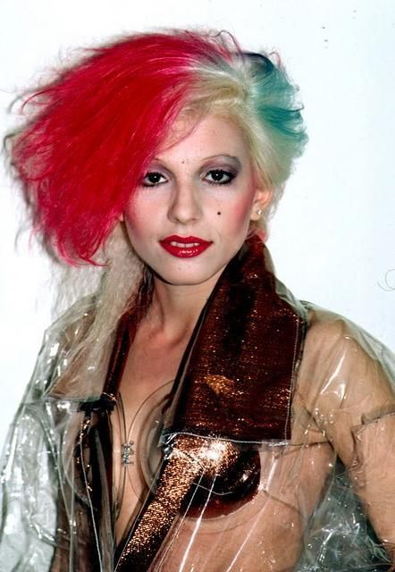 Dale Bozzio an italo-american from the 1980's with the italian flag colors on her head.