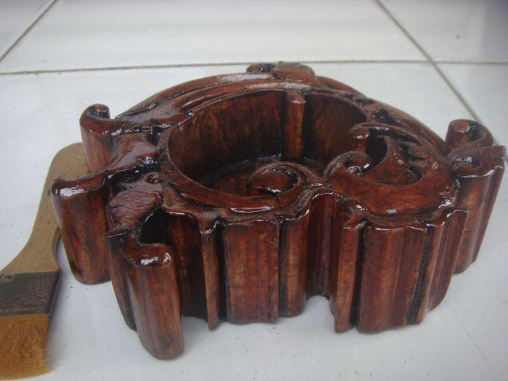 Asbak kayu Ukir #01 Tampak dari sisiyang lain lagi