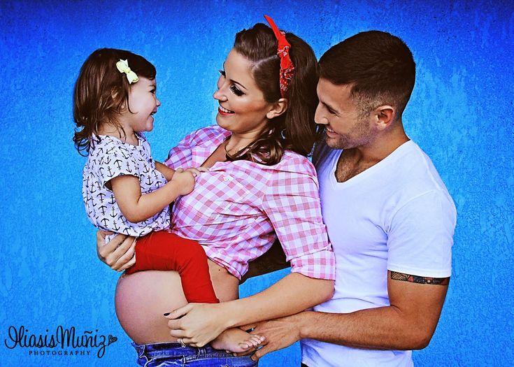 Pin-Up Family Maternity Photo Shoot