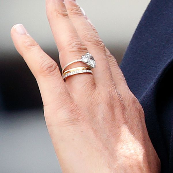 Meghan Markle Secretly Updated Her Engagement Ring See The Before And After Meghan Markle Wedding Ring Meghan Markle Engagement Ring Pretty Engagement Rings