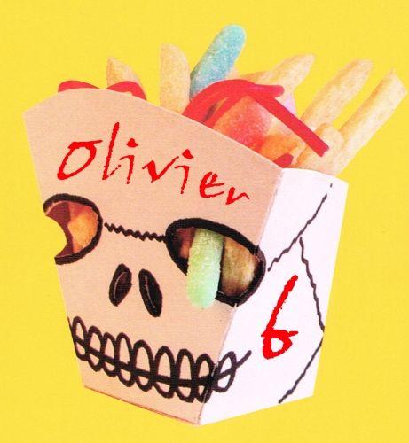 enge schedel, een griezelige doodshoofd traktatie. Leuk om met Halloween te trakteren.