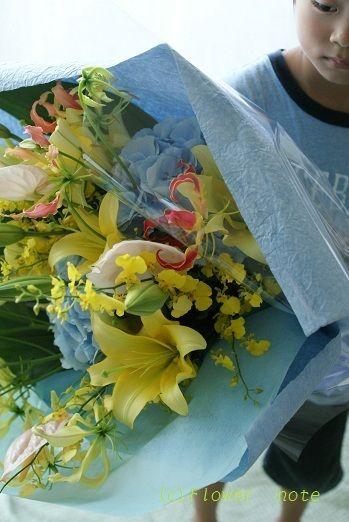 【舞台花】ベリーダンスショーのお花 http://ameblo.jp/flower-note/entry-11341155995.html