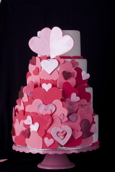 Cake Designs Hearts : 12 best images about Valentine s Day Wedding Cakes on ...